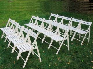 Дерев'яний розкладний стілець