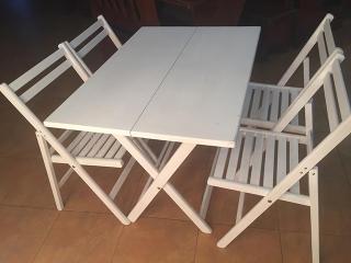 Розкладний стіл дерев'яний білий